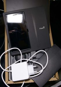 Oppo Find 7A Packaging and Accessories
